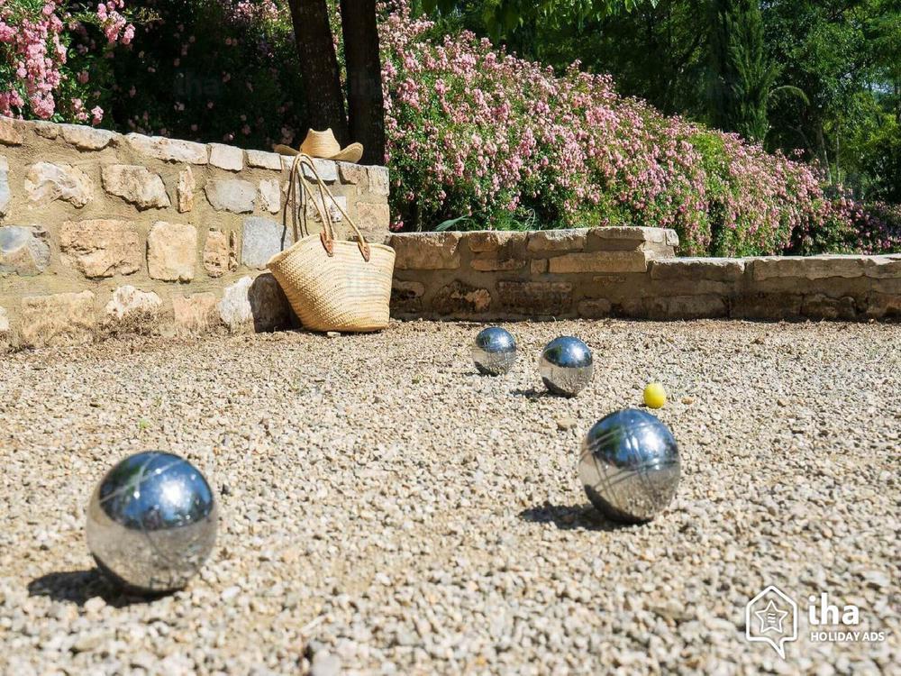 Throwing with balls - Jeu de Boule